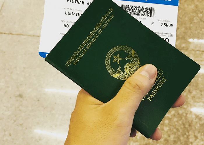 Hướng dẫn thủ tục cấp lại hộ chiếu sắp hết hạn và làm mới