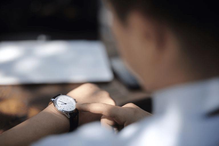 Câu giao tiếp tiếng Anh về hỏi giờ
