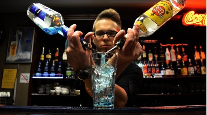 Bài đối thoại mẫu trong quán bar