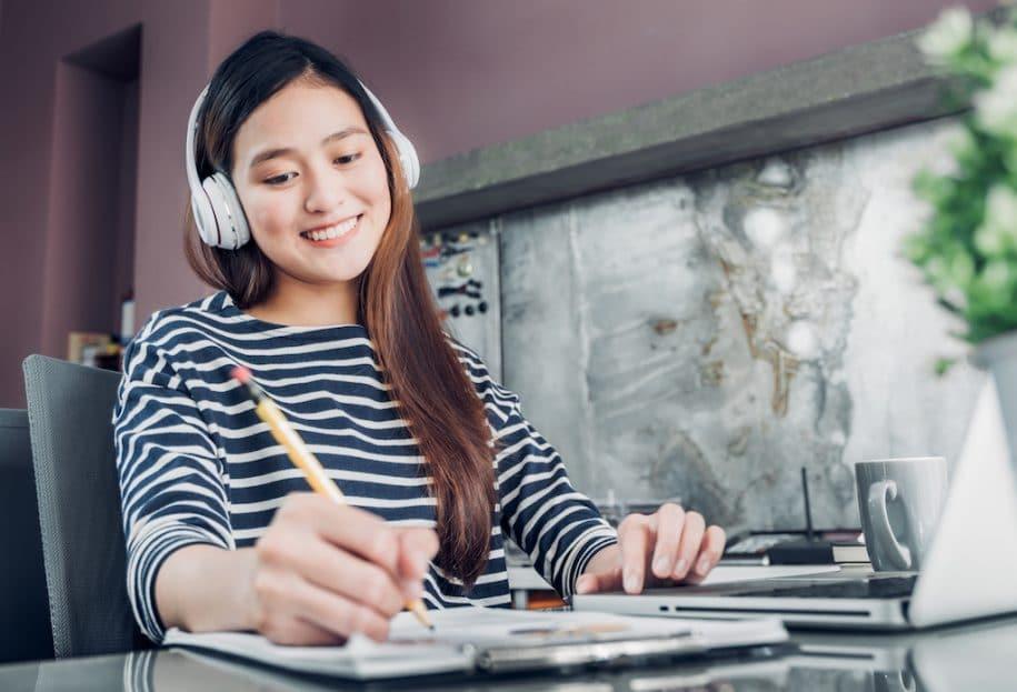 Top 7 phương pháp cách luyện nghe tiếng Anh cho người mới bắt đầu