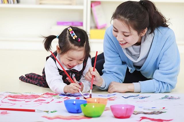 Sinh viên dạy kèm tại nhà TPHCM cho trẻ
